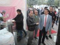 Vali Akbıyık'tan iftar çadırına ziyaret