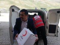 Kızılay ekibi Durankaya'daki ihtiyaç sahiplerini sevindirdi