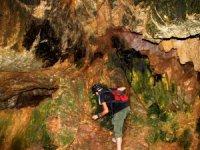 Yüksekov'da yeni mağara keşif edildi