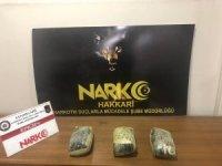 Şüpheli pakette uyuşturucu ele geçirildi