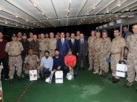 Hakkari'de jandarma personeli onuruna veda yemeği