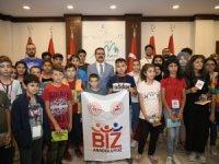 Çankırılı öğrencilerden Vali Akbıyık'a ziyaret