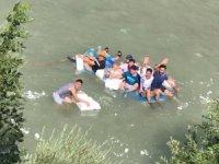 Zap suyunda köy usulü Rafting heyecanı