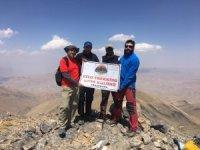3 bin 780 metre yükseklikteki Mor Dağı'na tırmanış