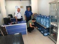 Hakkari'de ambalaj su satışı yapan depolar denetlendi