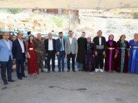 Vali Akbıyık Arslan ailesinin düğün törenine katıldı