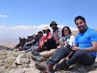 3 bin 89 Rakımlı Kızıl Kayalara tırmanış yapıldı