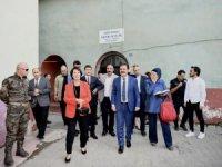 Vali Akbıyık. KSPK heyeti Çukurca' yı ziyaret etti