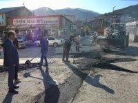 Cumhuriyet Caddesinde bozulan yollar onarıldı