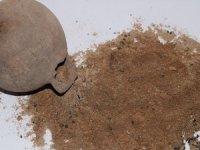 'Çömlek' içinde 3 bin yıllık buğday taneleri çıktı
