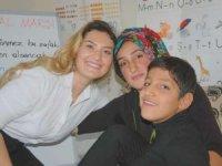 Fedakar öğretmen engelli öğrenciye umut oldu