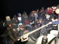Yurt dışına kaçmaya çalışan 378 göçmen yakalandı