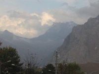 Hakkari'nin yüksek dağları beyaza büründü