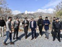 Vali Akbıyık, tarihi Mir kalesi halka açılacak