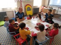 Hakkari polisinin eğitime olan desteği sürüyor