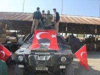 Mehmetçik, İran sınırındaki öğrencileri misafir etti