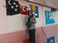 Fedakar öğretmenlerden okul boyama çalışması