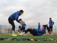 Kadın Futbol Takımı liderliğe hazırlanıyor