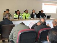 Taşıma ve servis şoförleri ile toplantı yapıldı
