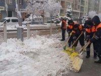 Hakkari belediyesi ilk karla mücadelesine başladı