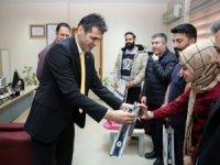 Müdür Aydın'dan hastane personeline teşekkür ziyareti