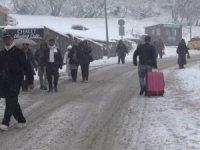 Uludağ'da kar yağışı başladı, otellerde yer bulmak neredeyse imkansız!