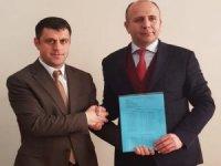CHP'li Başkan Demir mazbatasını aldı