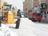 Hakkari'de kar boşaltılacak alanlar daraldı