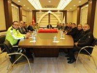 Hakkari'de trafik önlemleri masaya yatırıldı