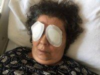 Şizofren kadın, bir hastanın gözlerini çıkardı