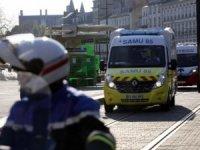 Fransa'da ölü sayısı bin 696'ya ulaştı