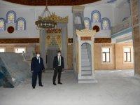 Vali Abıyık camii inşaatında incelemede bulundu