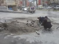 Hakkari'de bozuk yolar onarılıyor