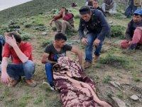 Koyun otlatırken yıldırım isabet eden kişi öldü