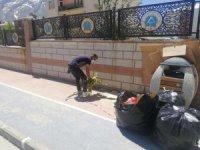 Belediye temizliyor, vatandaş kirletiyor