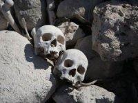 Mağarada 40 kişiye ait kafatası bulundu