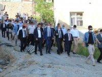 Vali Akbıyık'a Şemdinli'de yoğun ilgi