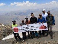 Sümbül Dağı zirvesine çıkan dağcılar döndü