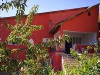 Hakkari'de 1500 metre arsa üzerinde 2 katlı satılık bina