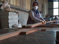 Kereste işinde çalışan kadınlar