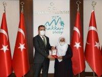Kıbrıs Gazisi eşine madalya ve berattı tevcih edildi