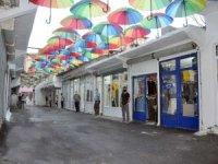 'Şemsiyeli Halk Pazarı' açıldı