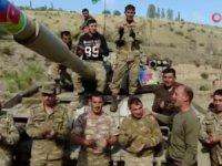 Ermenistan tankının üzerinde zafer şarkısı