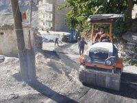 Hakkari'de asfalt yama çalışmaları sürüyor