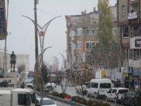 Hakkari'ye ilk karı yağdı