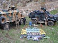 Kavaklı köyünde çok sayıda silah ele geçirildi