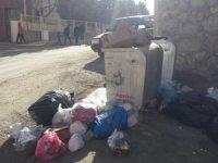 Hakkari'de zamansız bırakılan çöplere tepki