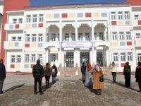Yüksekova'da bayrak töreni