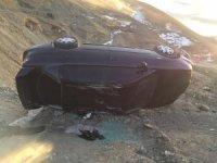 Başkale'de otomobil takla attı: 3 yaralı
