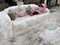 Kardan kanepe yaptılar!